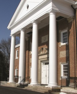 Wood-columns-with-pediment